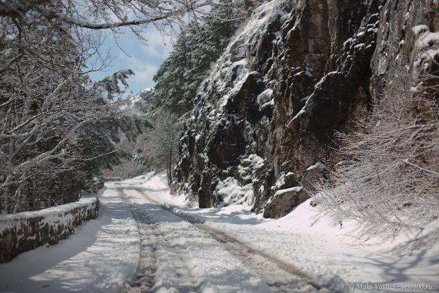 Перевалы перекрыло снегом.