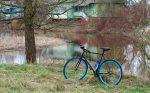 Что-то давно красивых велосипедов не было.  В красивых местах, естественно...
