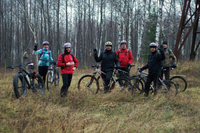 Партхозактив на выпасе Совместный и плодотворный заезд Я потерялася Group ride through the forest