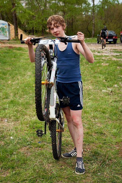 Иван своим мощным весом продавил колесо DT Swiss